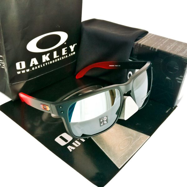 oakley-ruby-fade-black-prizm