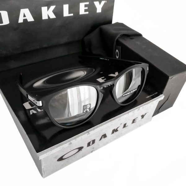 Oakley-Latch-Prizm-Black