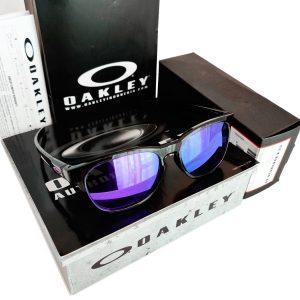 Oakley-violet